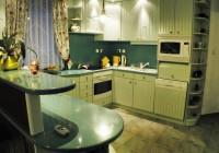 Festett konyha akril tetővel