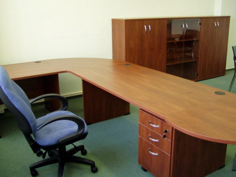 Egyedi irodai összeállítás