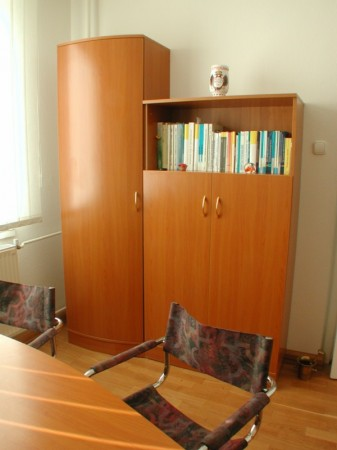Egyedi Ívelt szekrényösszeállítás