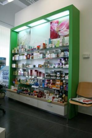 Gyógyszertári bemutató állvány