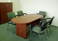 Ívelt, laplábas tárgyalóasztal