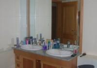 Fürdőpult nagyméretű tükör hátlappal