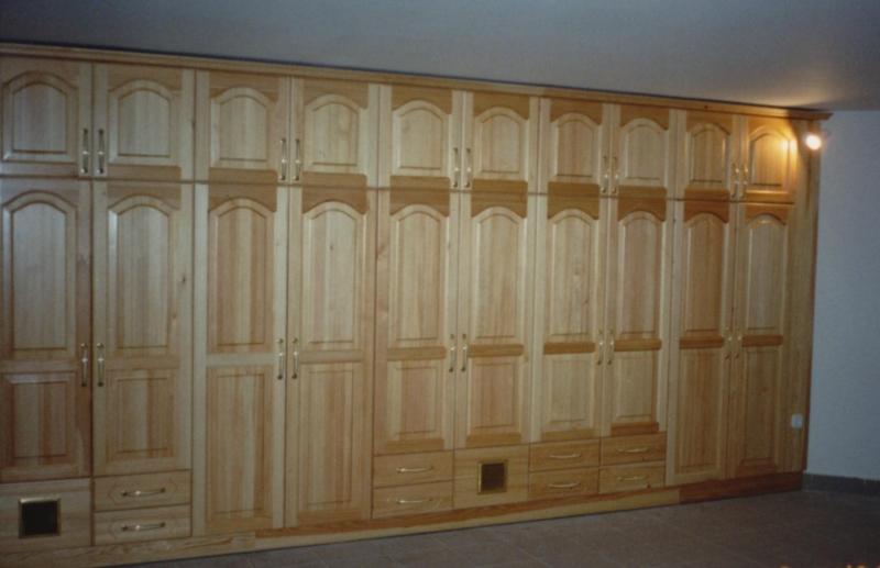 Borovi fenyő szekrénysor