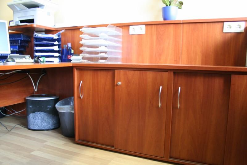 VIRGO asztalmagasságú szekrények, alma színben